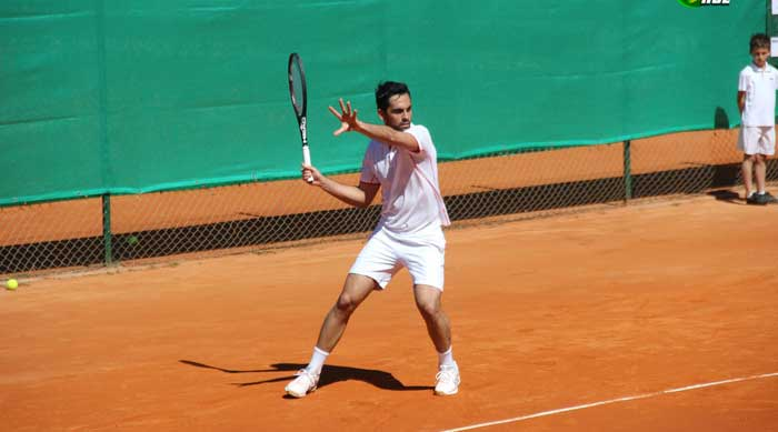 rete perfondo campo tennis